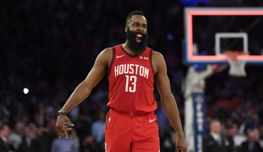 James Harden anota 61 y ganan los Rockets