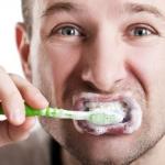 Estudio científico relaciona la disfunción eréctil con la falta de higiene bucal