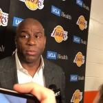 Magic Johnson cree que Pelicanos no negocia de buena fe por Davis