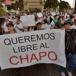 """AMLO es el primer presidente en visitar """"la tierra del Chapo"""", habitantes piden su liberación"""