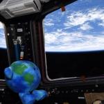 Así es el muñeco de felpa de la Tierra que fue enviado al espacio