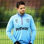«Chicharito» regresa a entrenar con West Ham tras molestias en el oído