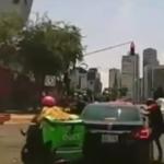 Moto de Uber Eats asalta a automovilista en Santa Fe, CDMX