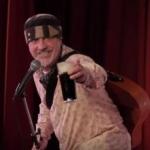 Muere cómico en plena actuación y el público se ríe