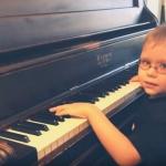 """Niño invidente de 7 años tocará """"Bohemian Rhapsody"""" en concierto"""
