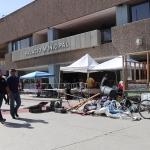 Reinstala Baja California Resiste campamento a las afueras del Palacio Municipal de Mexicali