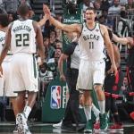 Bucks repite dósis a Raptors