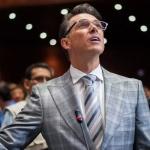 Confunde Sergio Mayer a la vaquita marina con la 'vaquita amarilla'
