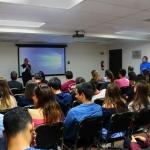 Los Alumnos de la Facultad de Comunicación y Mercadotecnia Reciben Conferencia sobre la Radio y la Actualidad