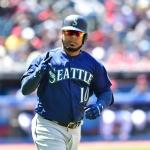 Yankees fortalecen bateo con Edwin Encarnación