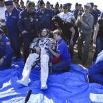 Regresan a la Tierra astronautas de Rusia, Canadá y EE.UU