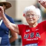 Abuela de 103 años logra récord mundial en velocidad