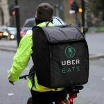Captan a repartidor de Uber Eats comiendo pedido de KFC y se hace viral