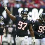 Falcons amarran por cuatro años a Grady Jarrett