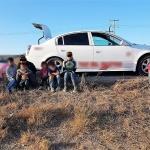 Recuperan vehículo con reporte de robo; viajaban niños dentro