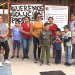 Padres de familia bloquean accesos a primaria en Ensenada