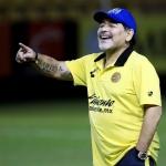 Maradona sufre sangrado estomacal y está internado en Argentina