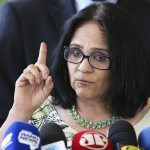"""""""Los niños vestirán de azul y las niñas de rosa"""", proclama ministra de la Mujer, la Familia y los Derechos Humanos en Brasil"""