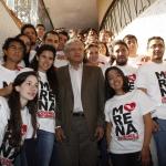 AMLO lanza programa de becas contra la deserción en bachillerato