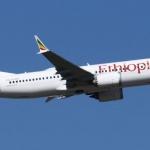 Mueren 157 personas tras impacto de avión en Etiopía