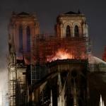 Obreros de Notre Dame violaron la prohibición de fumar