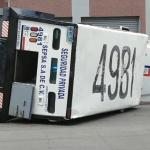 Se vuelca camión de valores en Ensenada