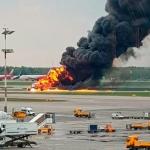 Al menos 41 muertos tras incendio de avión en Rusia