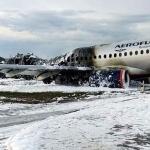 Rayo impactó al avión que se quemó en Rusia, afirma piloto
