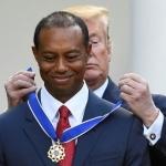 Otorga Trump la Medalla Presidencial de la Libertad a Tiger Woods