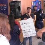Comunidad escolar protesta por falta de pagos a maestros