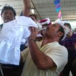 Se casa alcalde con un caimán en Oaxaca