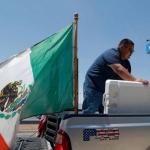 Agreden a mexicano en Chicago por tener bandera de México en su camioneta