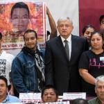 Se reúne AMLO con familiares de los 43 normalistas