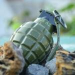 Niño encuentra granada en terreno militar y la lleva al kínder