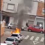 Hombre quema auto de su ex y muere arrollado minutos después