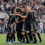 LAFC elimina al LA Galaxy de los playoffs de la MLS con un Vela encendido