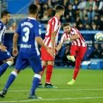 Atlético de Madrid sacó un punto ante el Alavés con Herrera de titular