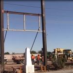 Instalan puerta en el muro fronterizo entre Mexicali y Calexico