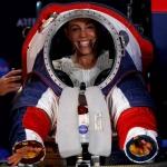 Así son los nuevos trajes espaciales para volver a la Luna: NASA