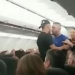 Aterrizan de emergencia por pelea intensa en avión