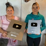 Premia YouTube a Doña Ángela por obtener un millón de suscriptores