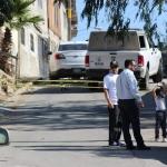Encuentran cuerpo de mujer envuelta en una cobija, dentro de su propio vehículo